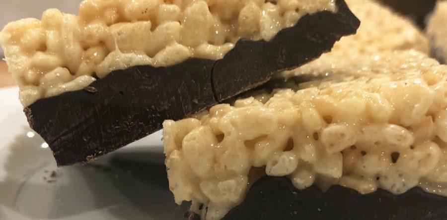 Cuadritos de malvavisco con arroz inflado y chocolate